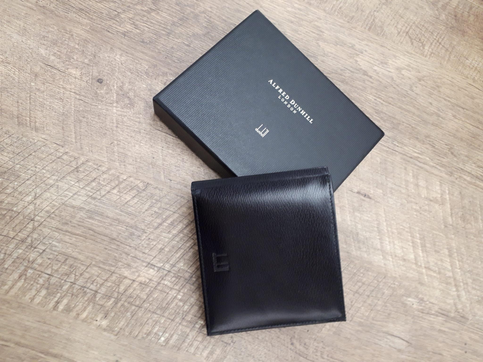 ダンヒルの未使用品二つ折り財布お買取りさせて頂きました。