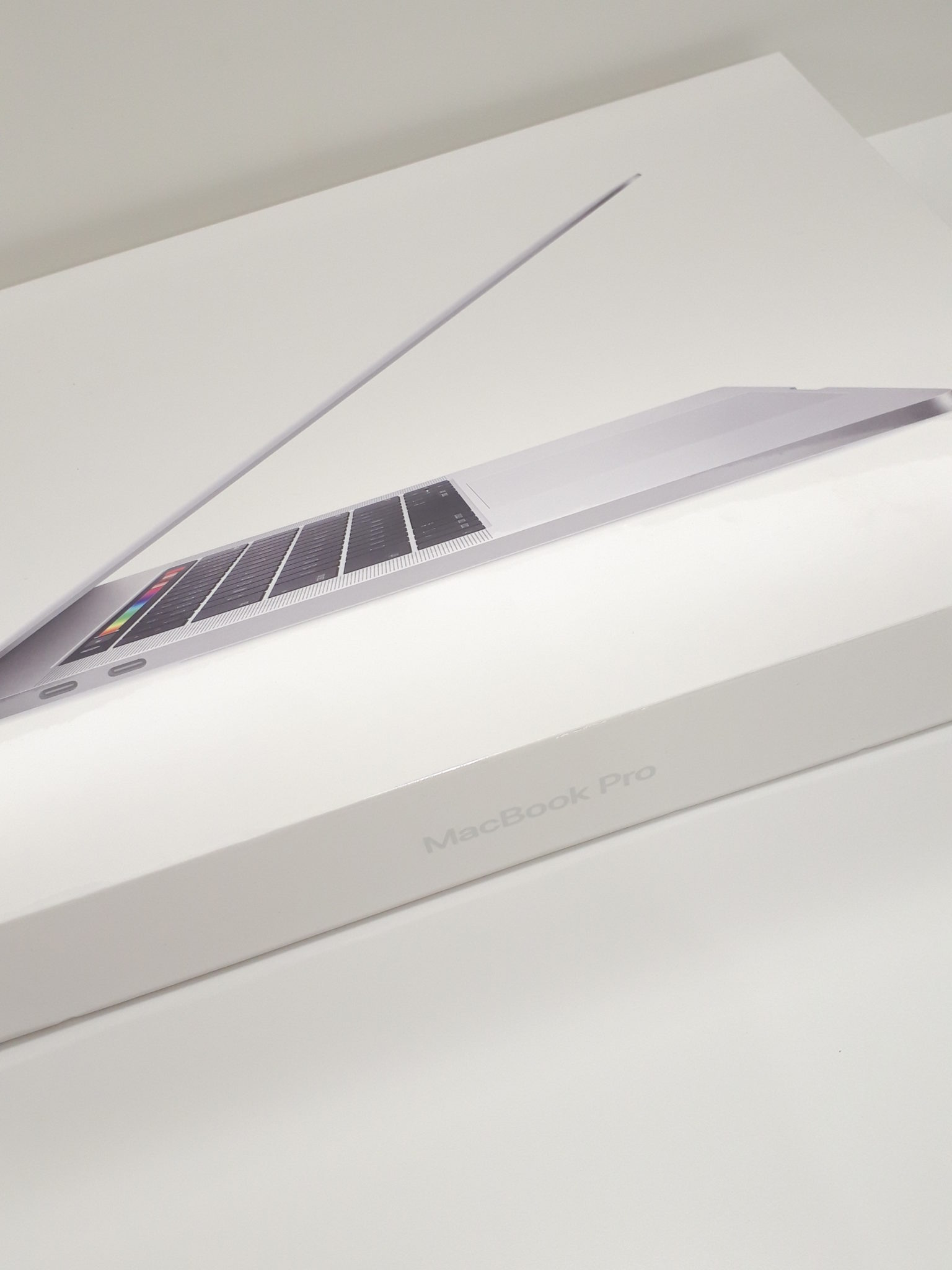 【Mac Book pro 15インチ 第9世代】を盛岡市のお客様よりお買取させて頂きました!