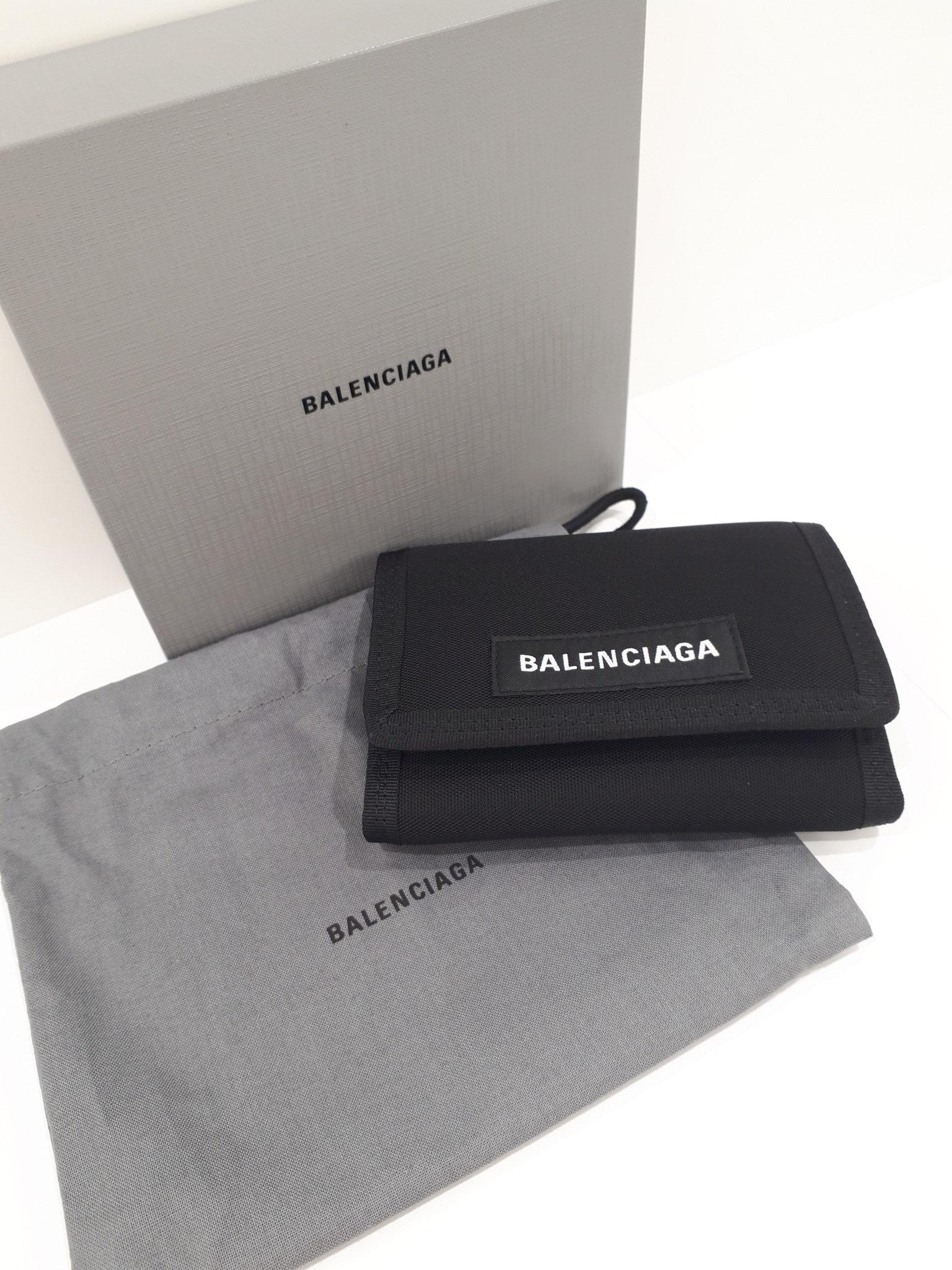 【バレンシアガ 507481 3つおり財布】を盛岡市のお客様よりお買取させて頂きました!