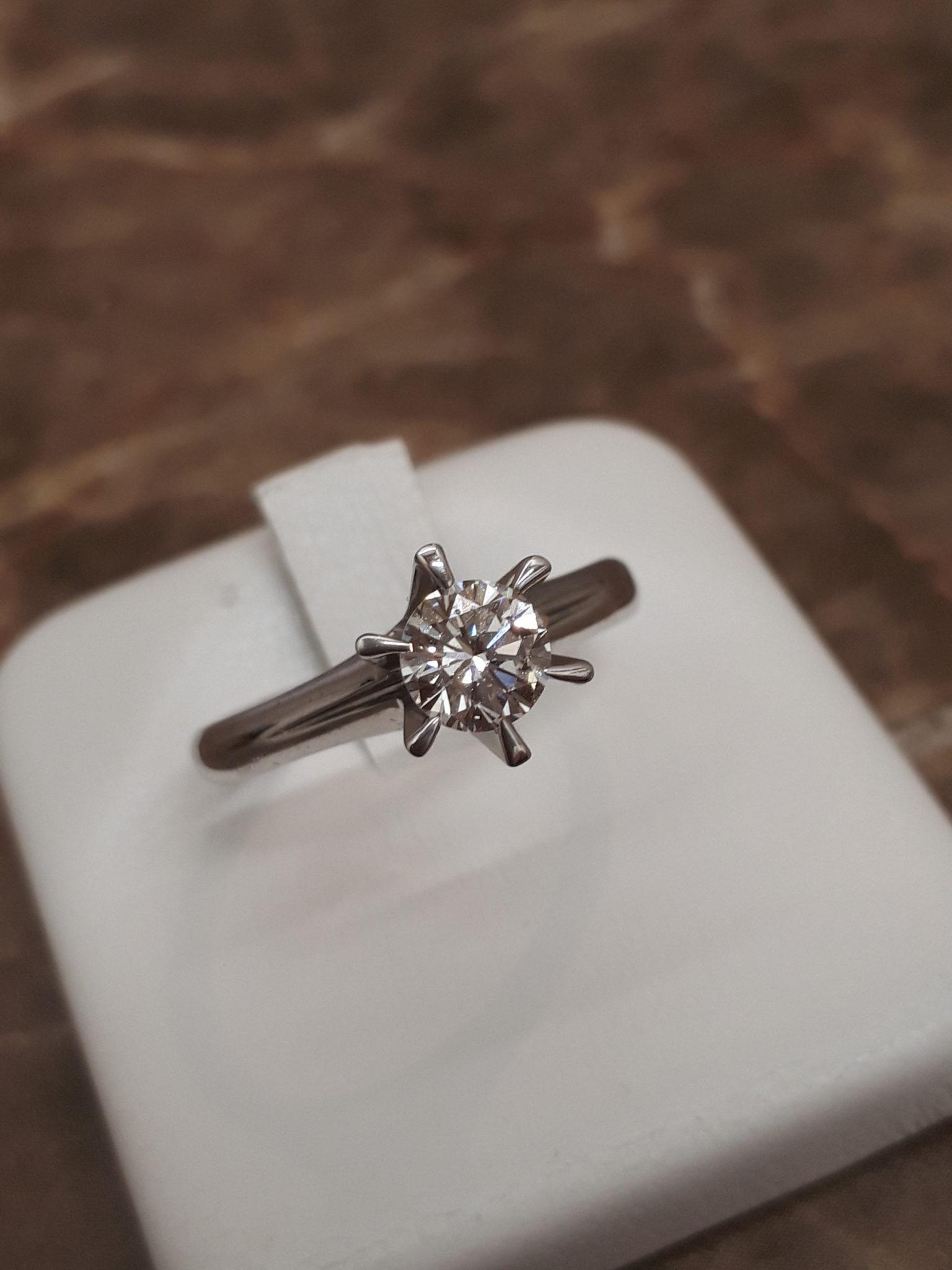 【ダイヤモンド プラチナリング】を盛岡市のお客様より買取させていただきました!