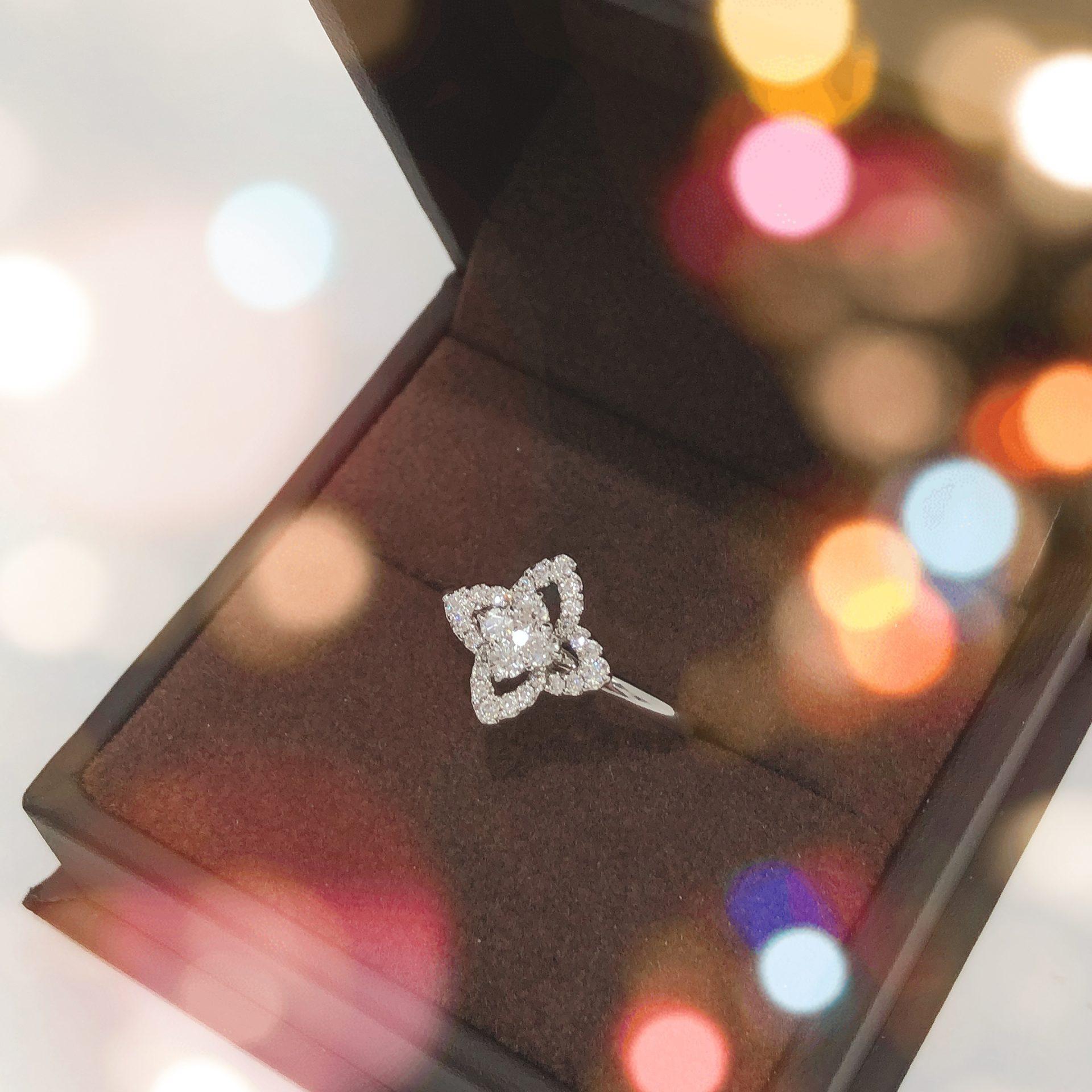 【K18WG フラワーモチーフ ダイヤリング】盛岡市のお客様よりお買取させていただきました!